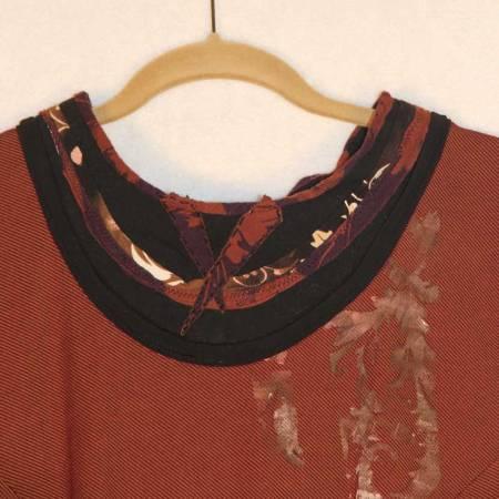 2T2-Neck-Stencil-detail