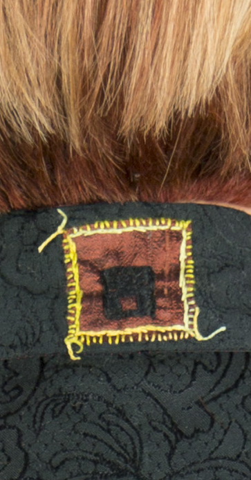 Black muslin_Neck embroidery